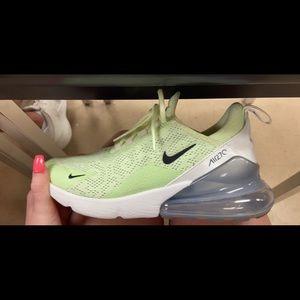 Women's Nike air 270